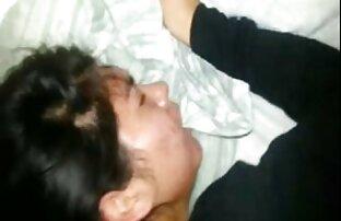 Մայրը Կիեւում Փենջաբերեն վիդեո սեքս ֆիլմ 18-ամյա սիրահարի համար ոտքով մերսում է անում