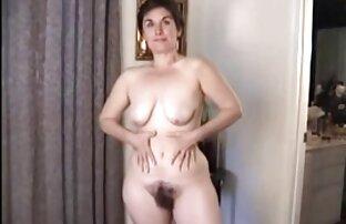 Այրին իր pussy առջեւ Տեսախցիկ, երբ հասուն Մեծ ծիծիկներ նա թոշակի.
