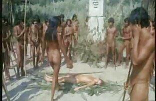 Խաղալ ծնկների վրա վեբ Ուլլուի շարքը սեքս տեսանյութեր ծննդյան աղջկա դիսկոտեկ