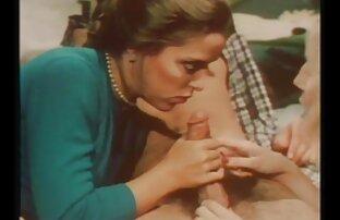 Գունատ սեքս ֆիլմեր Հնդկական որդին, դեղնականաչ մեկ տեղում էշի.