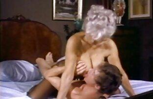 Պոռնկությունը կապված անվճար ամբողջական պոռնո ֆիլմեր է ներքնազգեստի հետ: